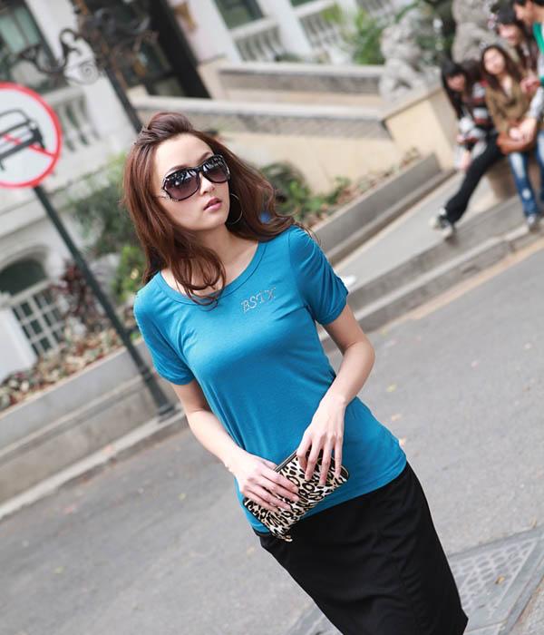 既潮流又优雅的女士T恤,夏天必备服装